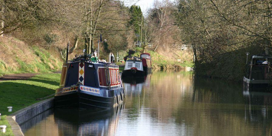 Canal-scene-in-Devizes